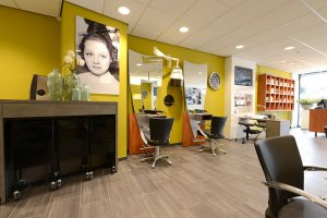 RE-styling kapsalon & nagelstudio D-Line Bergeijk